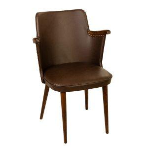 כסא עץ מרופד דגם גיל כפתורים